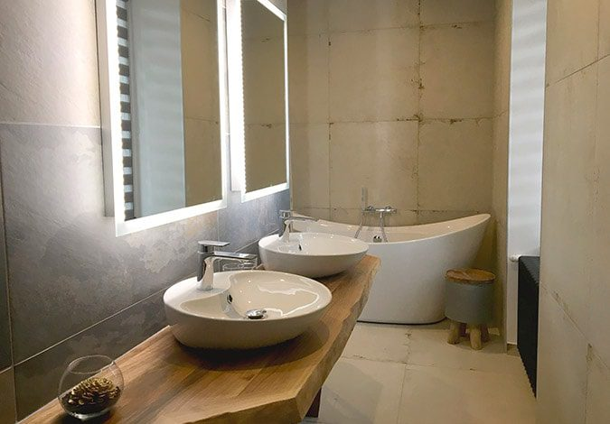 clos-l-abbe-suite-salle-de-bain-spacieuse