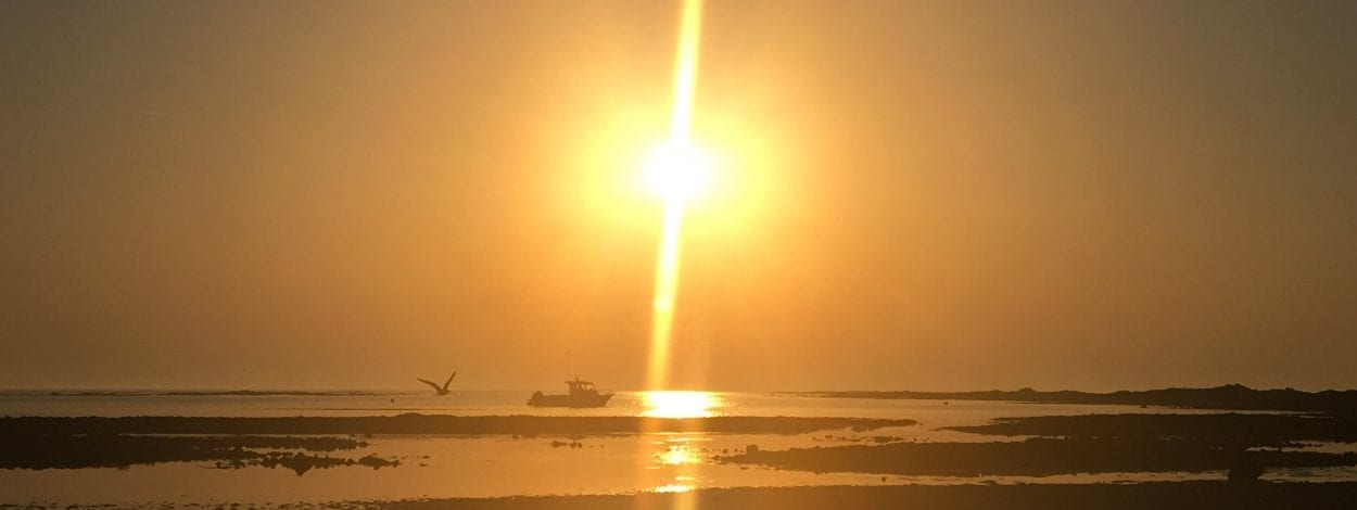 clos-l-abbe-plage-sunset-bateau-normandie